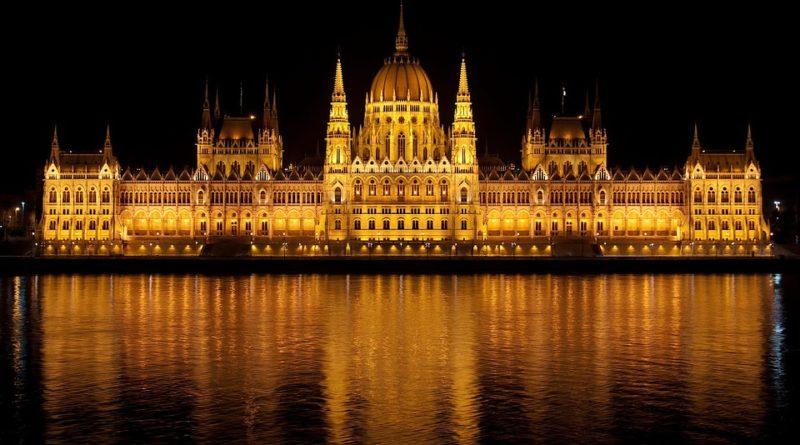 Z Maďarska utíkají lidé, a to za lepšími platy