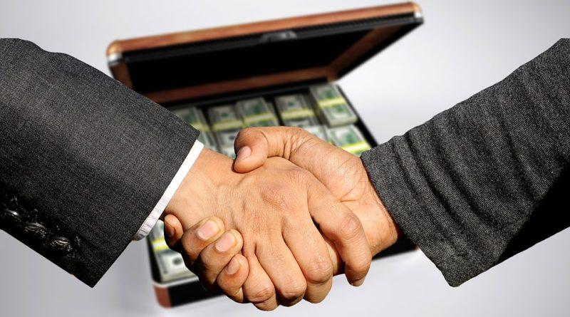 Výhody a nevýhody financování bankou a investorem