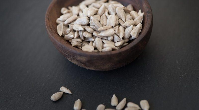 Slunečnicová semínka pro zdraví. Proč je zařadit do jídelníčku?